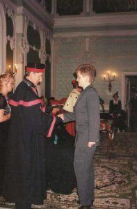 Rok 1997 - uroczyste wręczenie dyplomu lekarza stomatologa.